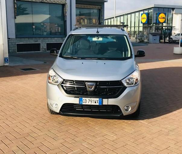 Dacia 7 Posti a Noleggio Esterno 4